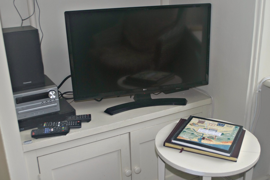 LG TV, Panasonic DVD/Blu-Ray and micro hifi system