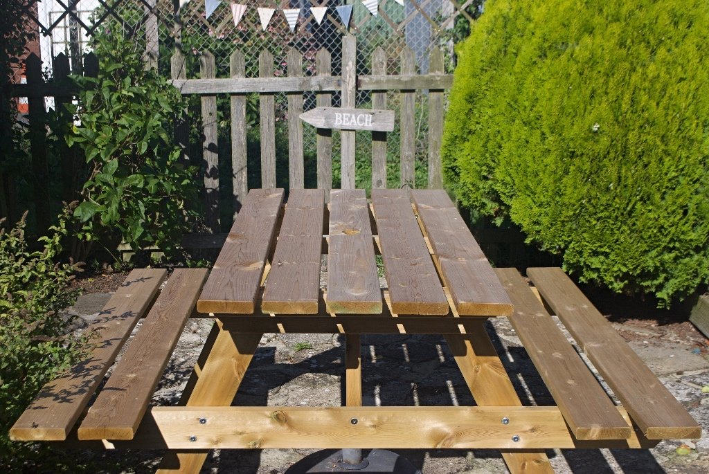 Picnic bench - sit in the garden and feel like you are down the pub!